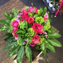 bouquet rond rose fushia et...